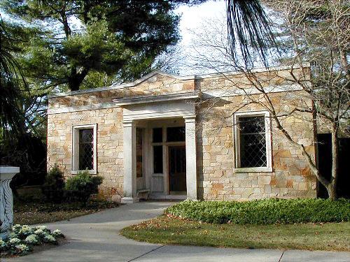 ivy-columbarium