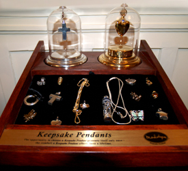 keepsake-pendants-case