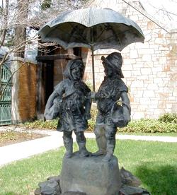 boy-girl-fountain